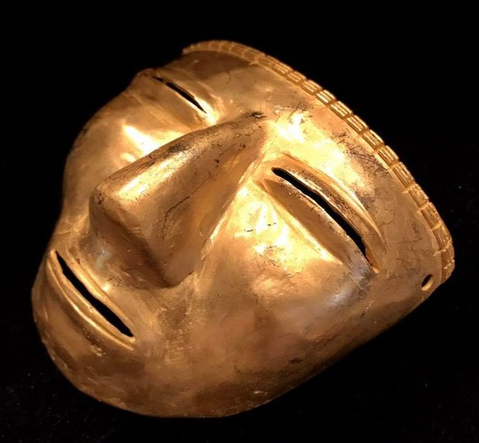 Tumbaga Gold artifact , Colombian Quimbaya Culture - 77 x 87 x 40 mm , 73,46 grams , A quimbaya warrior funerary mask