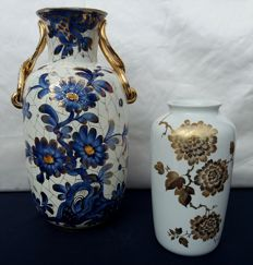 Italian artist + AK Kaiser W Germany - Two decorated vases in ceramic–porcelain, marked