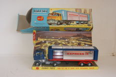Corgi Major Toys - Schaal 1/48 - Ford Tilt Cab `H` Series with Detachable Trailer and Driver no.1137
