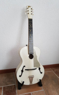 Special old guitar, 1960s Famos - jazz model