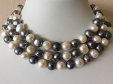 Necklace with baroque button pearls Length: 124 cm/49 inches