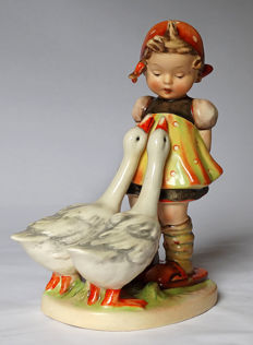 "Very old and rare Hummel Goebel - no. 47./2/ - ""Gänselieschen / Goose Girl"" - incised Crown - Largest model"