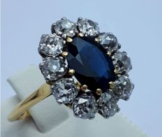 18 Ct Ring With Sapphire and Diamonds