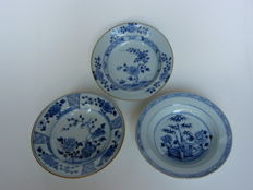 Three porridge plates - China - 18th century