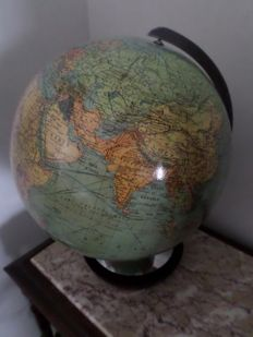 Antique political globe - 1950