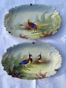 La porcelaine Limousine - Pair of hand painted - Hunting theme with relief
