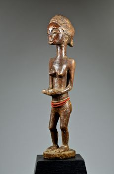 Fine female maternity figure - BAULE - Ivory Coast