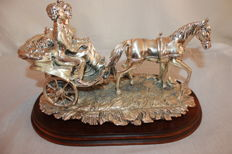 Horses carriage with a couple of lovers - 40 cm - Second half of the 20th century