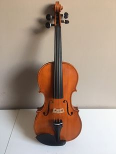 Violin 4/4 with beautiful open sound