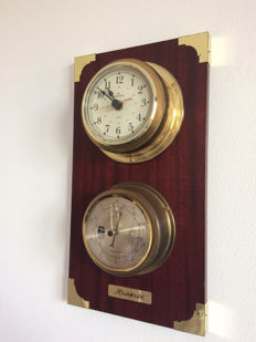 Weather Station Hanseatic in 2 parts: Hanseatic Barometer and Junghans Quartz Clock in brass on wooden panel