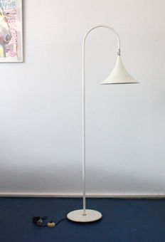 Hala Zeist - floor lamp with adjustable shade