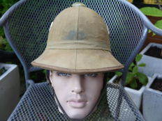 Beautiful German Pith helmet Ww2 (Italian made).