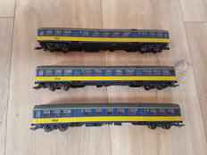 Roco H0 - 64321 - 3 Express train passenger carriages 2nd class of the NS