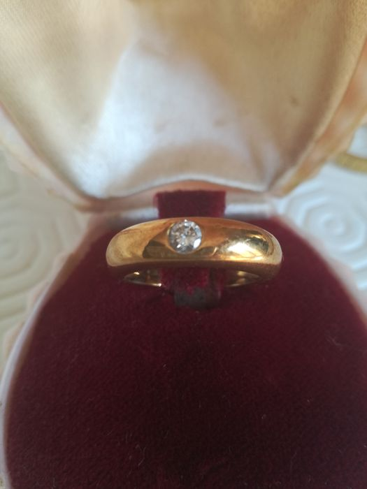 Engagement style ring with diamond for approx. 15-20 points, handmade in the 1940/50s