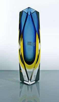 G. Campanella Murano - Blue and yellow Sommerso vase (28 cm)