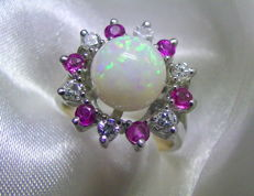 Opal 2.5ct + ruby brilliant ring 585 white gold - 5.3g no reserve price