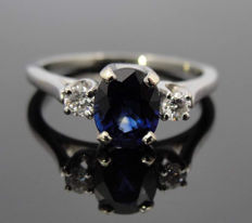 White Gold Ring With 0.93 ct Sapphire and 0.10 ct Diamonds, F/VS