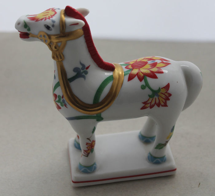 "Franklin Mint - Horse - ""Kakiemon"" - Porcelain"