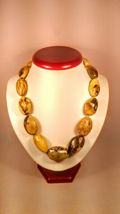 Baltic Amber necklace, length ca. 51 cm