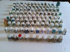 Collection of 115 different timbles - Collection of 115 thimbles