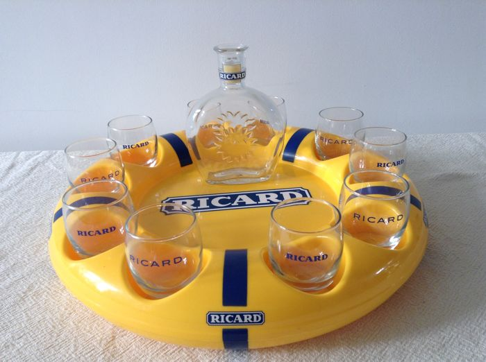 RICARD _ round serving tray with 10 Ricard glasses and 1 Ricard water carafe _ 2nd half 20th century