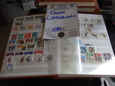 Thematic - Fauna,  Birds, Insects, Mammals - Large amount of sets & stamps in thick album.