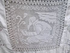 Rare vintage tablecloth, entirely handmade!