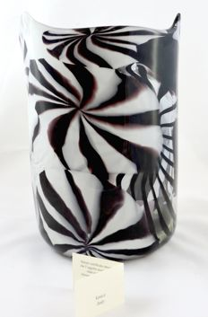 MuMa Italia - vase in shades of black and white, with blown glass canes