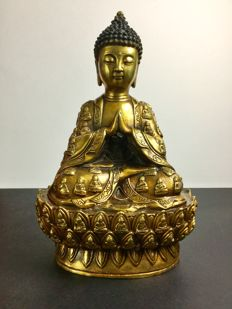 Representation of the Child Buddha in gilded bronze - Nepal - End of 20th century circa 1980.