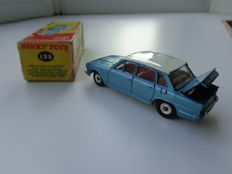 Dinky Toys - Scale 1/43 - Triumph 2000 No.135