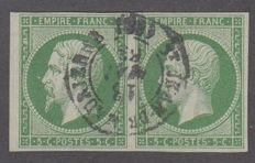 France 1854 - 5c green, in pairs, central cancellation, signed Calves - Yvert 12.