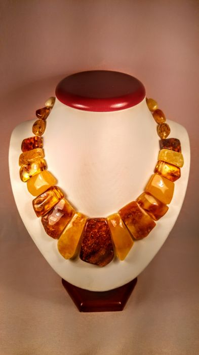Baltic Amber necklace, length ca. 43 cm, 60 grams