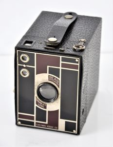 1936  EASTMAN KODAK  'Beau-Brownie'  Junior Art Deco Box Camera.