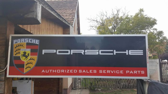 Porsche Service Parts  Neon light box