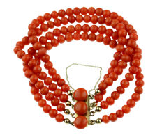 4-strand traditional Dutch precious coral bracelet with a 14 kt gold clasp