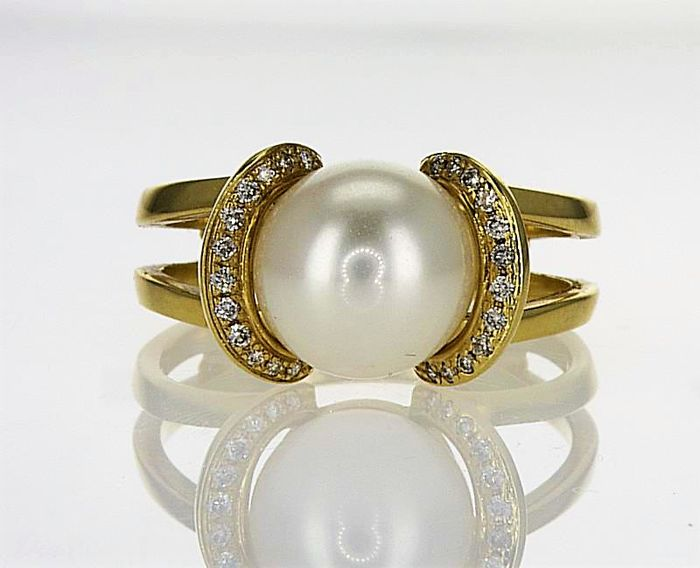 14 kt yellow gold Diamond ring with fresh water pearl 9.26 mm - Ring Size: 17.5 mm , 55 , 7 ( USA )