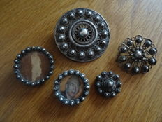 Lot of items of jewellery from Zeeland