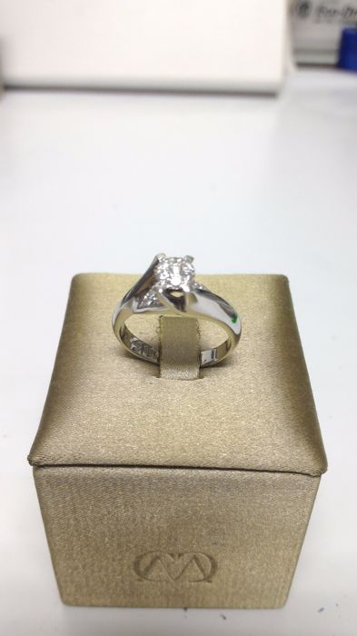 Ring in 18 kt white gold with diamonds Size: 14/54