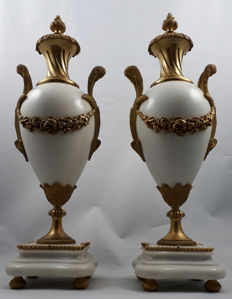 A couple of white marble and bronze decorative vases - France, c. 1900
