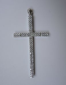 18kt white gold cross pendant with cubic zirconia – 6,9 gr – 5,4 cm