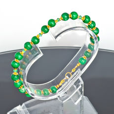 Jade bracelet with Emeralds – Length 19.8 cm, 14kt/585 yellow gold clasp