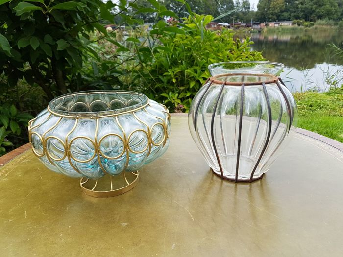 Two mouth-blown Venetian glass bowls / vases