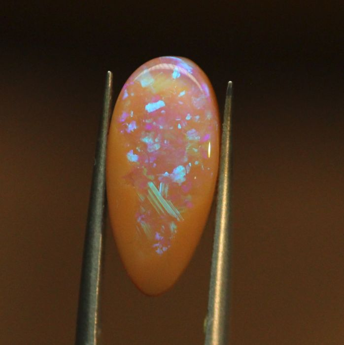 Caramel boulder pipe opal - 17.3 x 8.1 x 4.6 mm - 4,36 ct