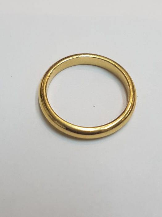 Bulgari - Wedding ring in 18 kt yellow gold with 2 mm height by brand bulgari 1970AL weight 3.1 grams 16 mm