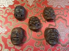 Set of  five ceramic netsuke masks, signed Sekisen - Japan - Late 19th century/early 20th century