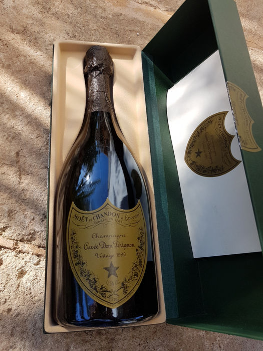 1990 moet chandon dom perignon champagne 1 bottle 75cl in box catawiki. Black Bedroom Furniture Sets. Home Design Ideas