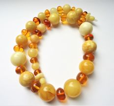 Vintage Baltic Amber necklace, yellow, caramel colour, 59 grams,