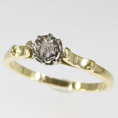 Bicolour gold brilliant cut diamond ring from the fifties - No reserve price!
