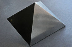 Unique Shungite pyramid - 12.3 cm - 1063 gm