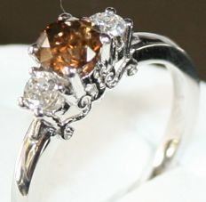 18 kt white gold ring 1.05 ct total
